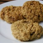Apple Cinnamon Oatmeal Cookie - Granola gives this cookie a special taste. It's delicious!