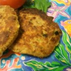 Salmon Croquette Burgers - These salmon patties using canned salmon are seasoned with dill, cayenne pepper, and garlic.