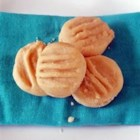 Caramel Cream Sandwich Cookies - As kids we would pull these apart like Oreos and lick off the frosting!