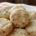 Easy Almond Butter Cookies - These easy butter cookies use almond extract and crushed almonds for crunch and flavor.
