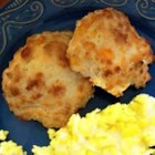 Garlic Cheese Biscuits - Light, tasty biscuits - just as good as the ones served at a popular seafood restaurant chain.