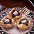 Campbell's Kitchen Chocolate Peanut Butter Cups - Delicious and fast-fix sweets with a trio of favorite flavors - chocolate, marshmallow and peanut butter - are so easy to bake when you start with Pepperidge Farm(R) Puff Pastry Shells.