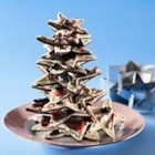 Holiday OREO Bark - Looking for a little something to remember friends and family this holiday season? Try this festive bark, featuring layers of semi-sweet and white chocolates topped with crushed candy canes and chopped OREO cookies. Wrap it in cellophane bags tied with colorful ribbons for an extra-special touch.