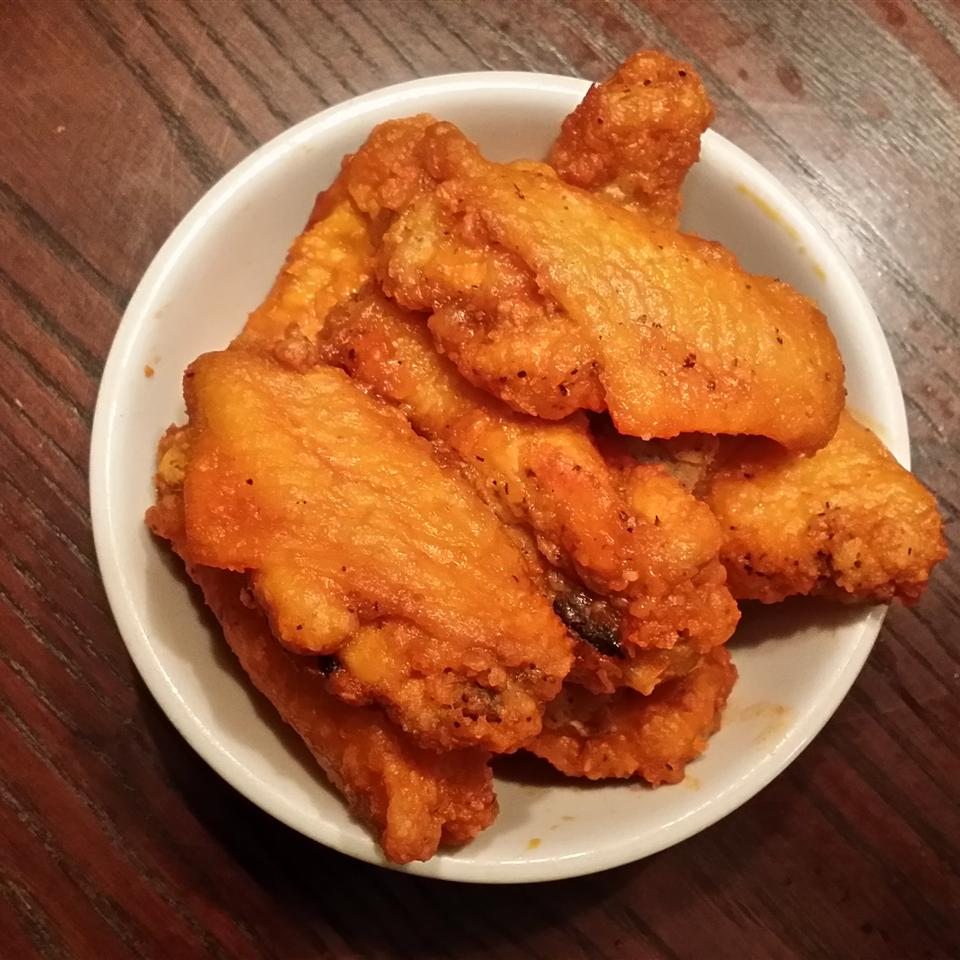 Easy Restaurant-Style Buffalo Chicken Wings