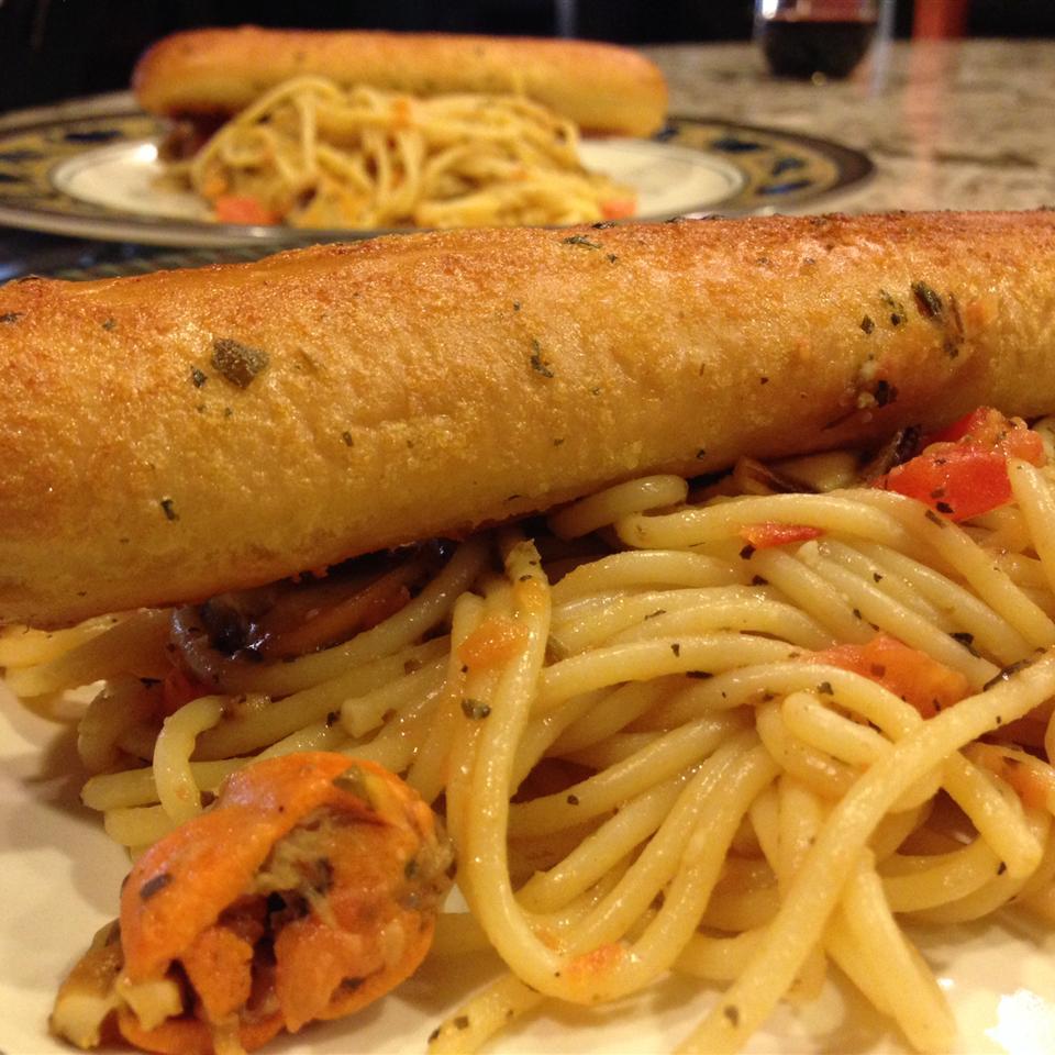 Homemade Tomato Basil Pasta Sauce glenna