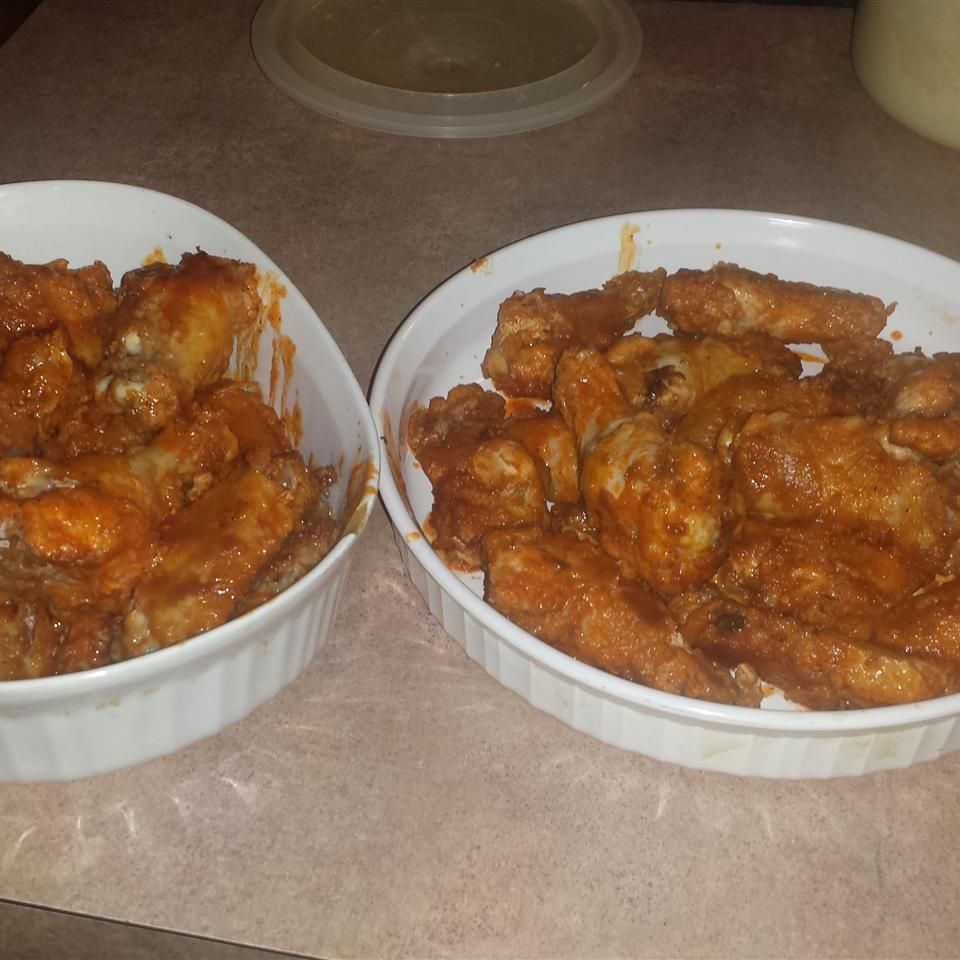 Healthier Restaurant-Style Buffalo Chicken Wings