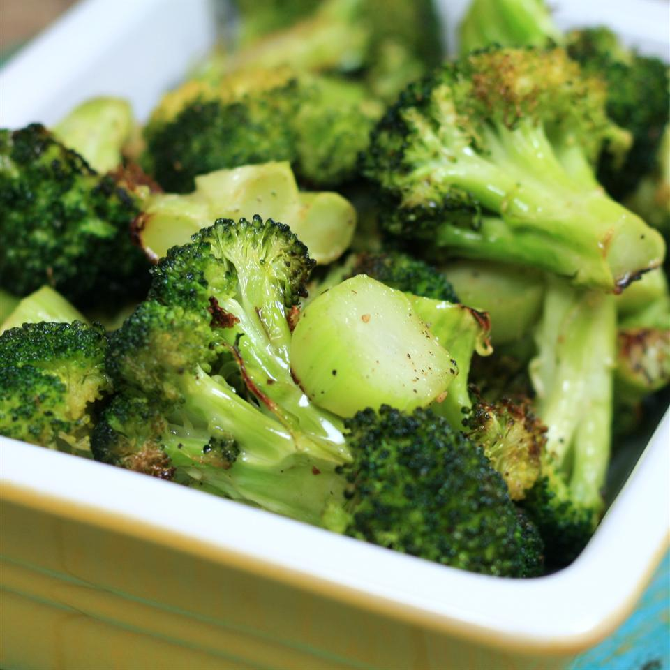 Easy Roasted Broccoli karenatlincoln