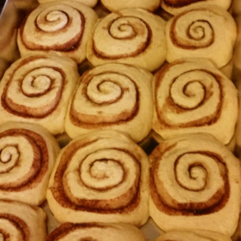 Mom's Jiffy Cinnamon Rolls