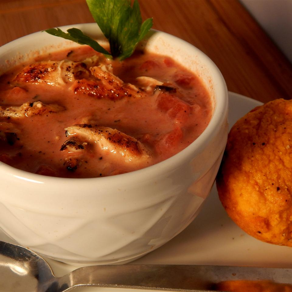 Low-Fat Fire-Roasted Tomato and Chicken Soup marypiano