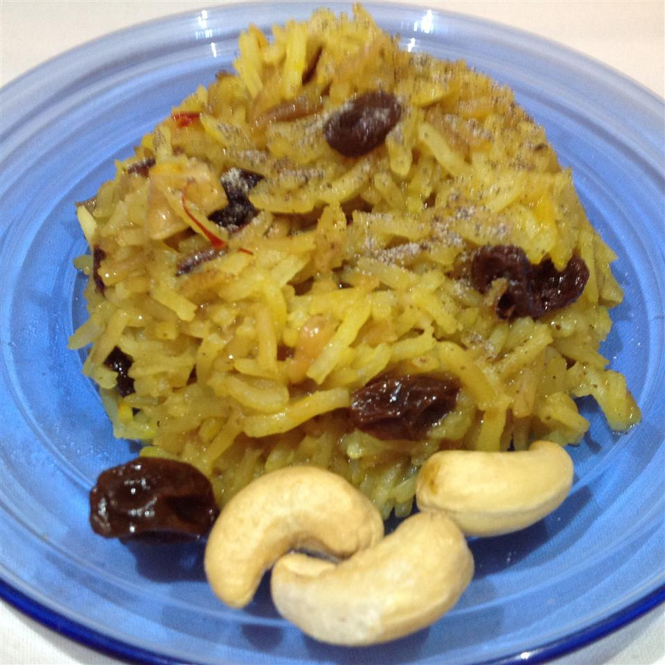Saffron Rice with Raisins and Cashews