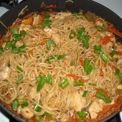Family Favorite Chicken Lo Mein tanya