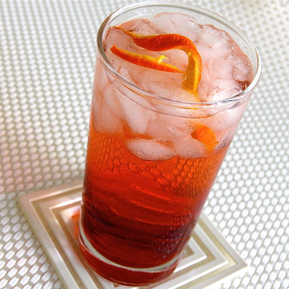 The Americano is anegroni cocktailwithout the firepower of gin. The sweet vermouth and Campari are enough, though, perfect for pre-dinner drinking, enticing the palate for the feast to follow.