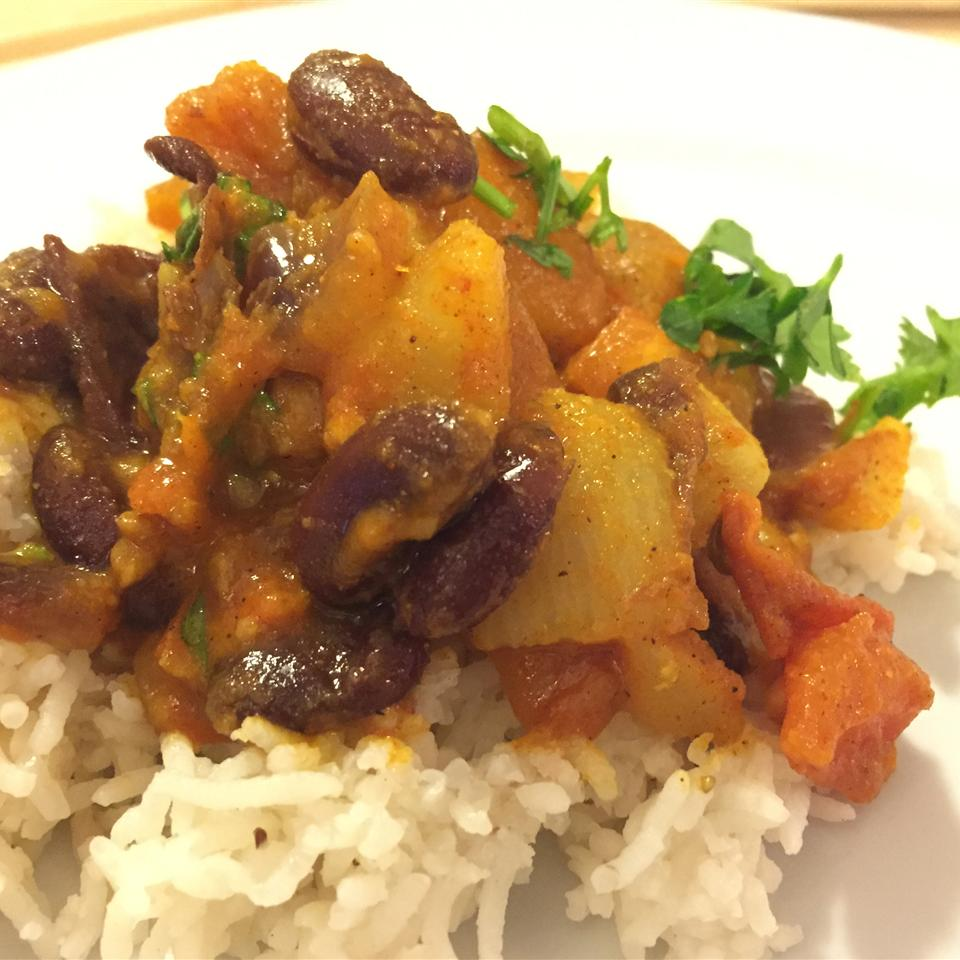 Kashmiri-Style Kidney Beans with Turnips