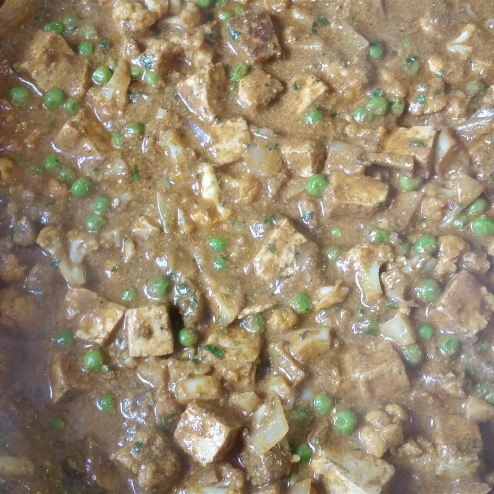 Cauliflower and Tofu Masala babe_stuff