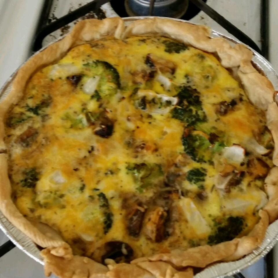 Broccoli and Cheddar Quiche Anonymous
