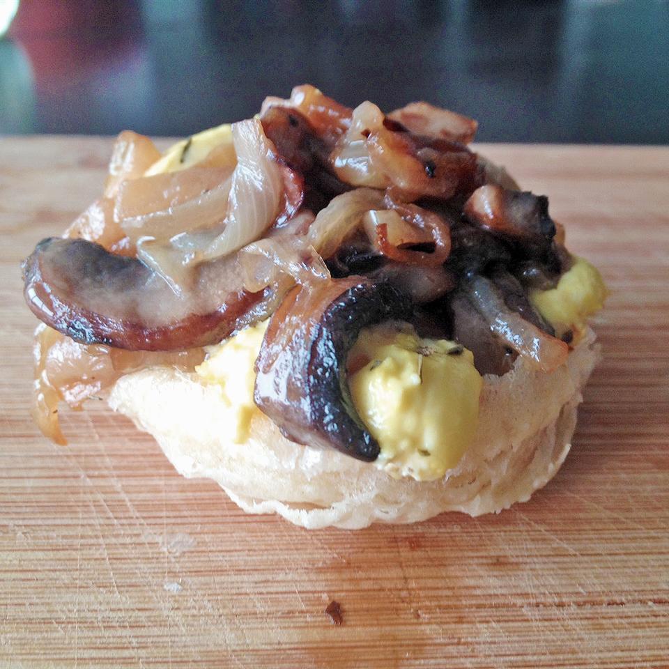 Caramelized Onion and Mushroom Tarte Tatin iluvwoody