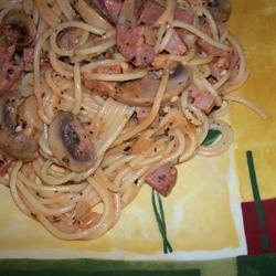 Fettuccini with Mushroom, Ham and Rose Sauce