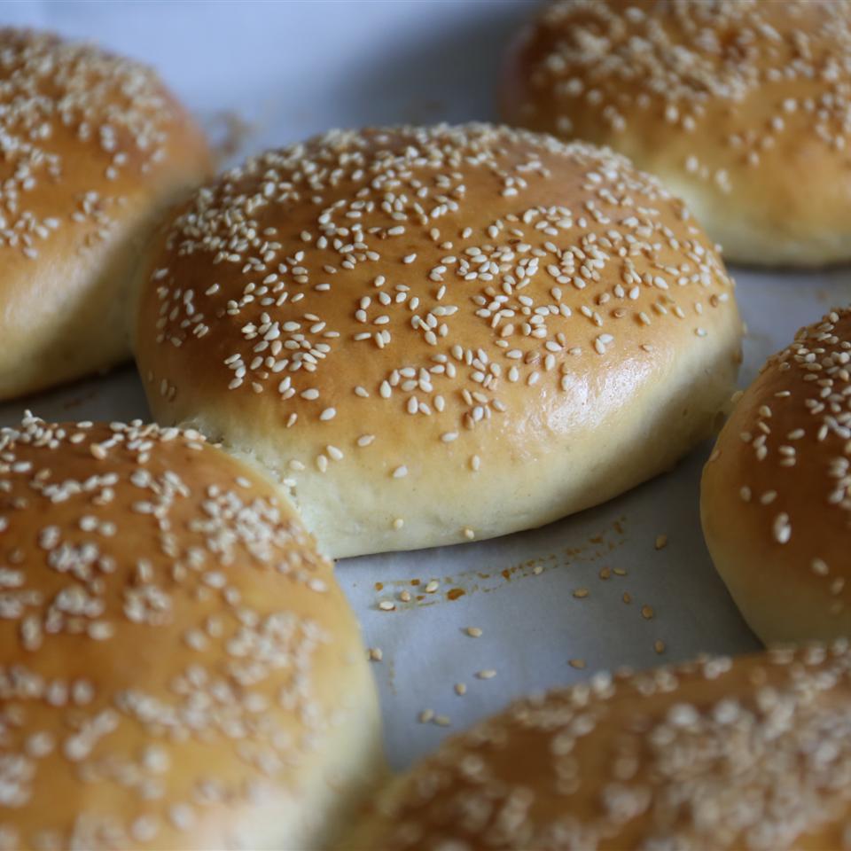 Homemade Hamburger Buns_image