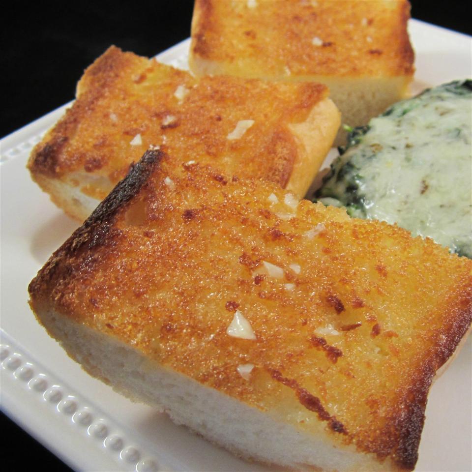 Lisa's Best Ever Garlic Bread momof3ccc