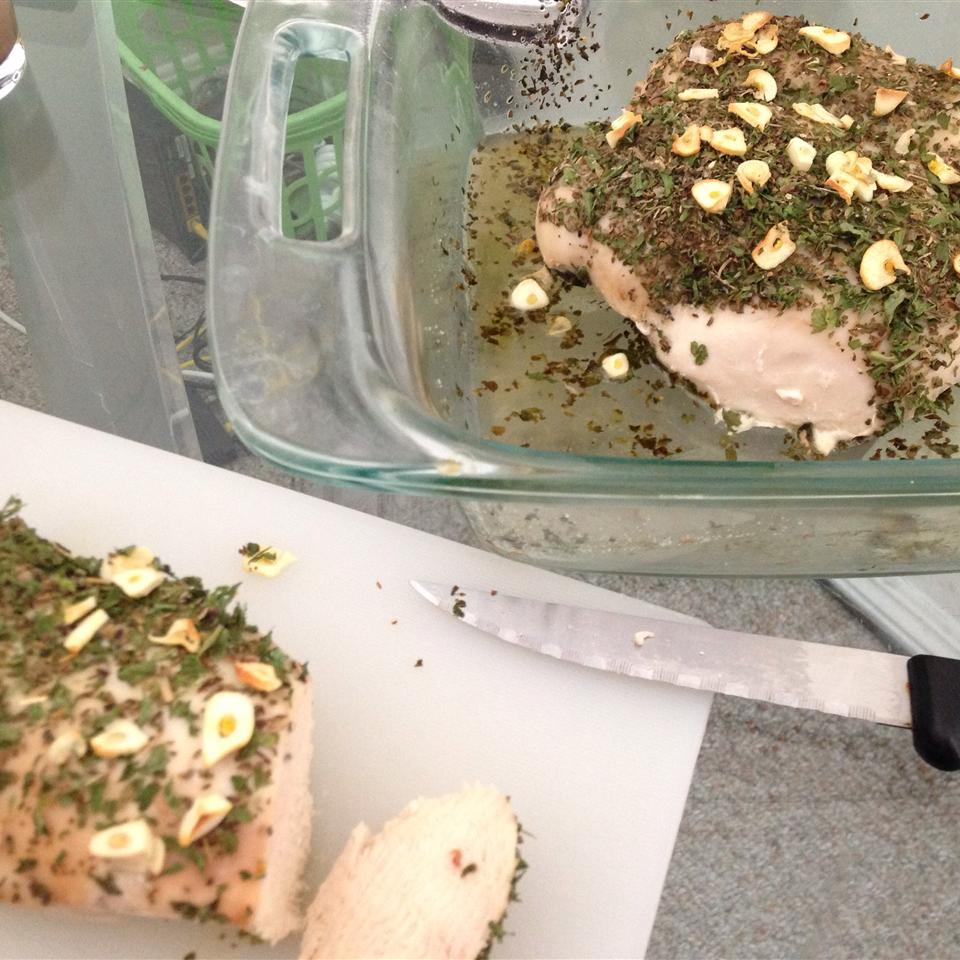 Chicken with Garlic, Basil, and Parsley