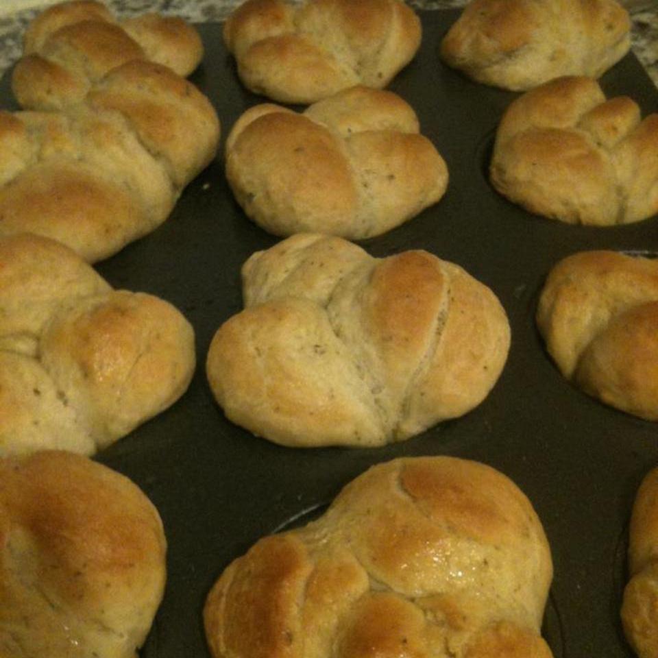 Garlic and Herb Pull Apart Bread Miriam