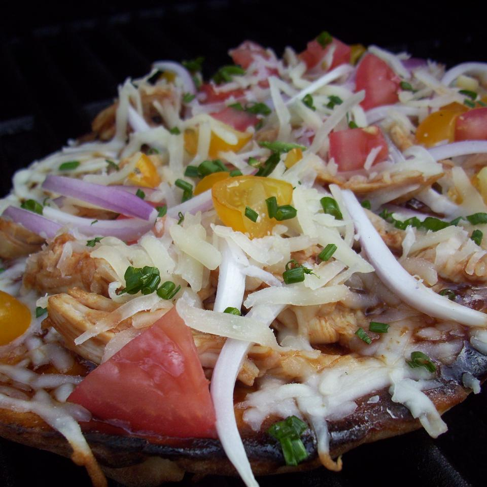 Barbeque Chicken Grilled Pizza Chef V