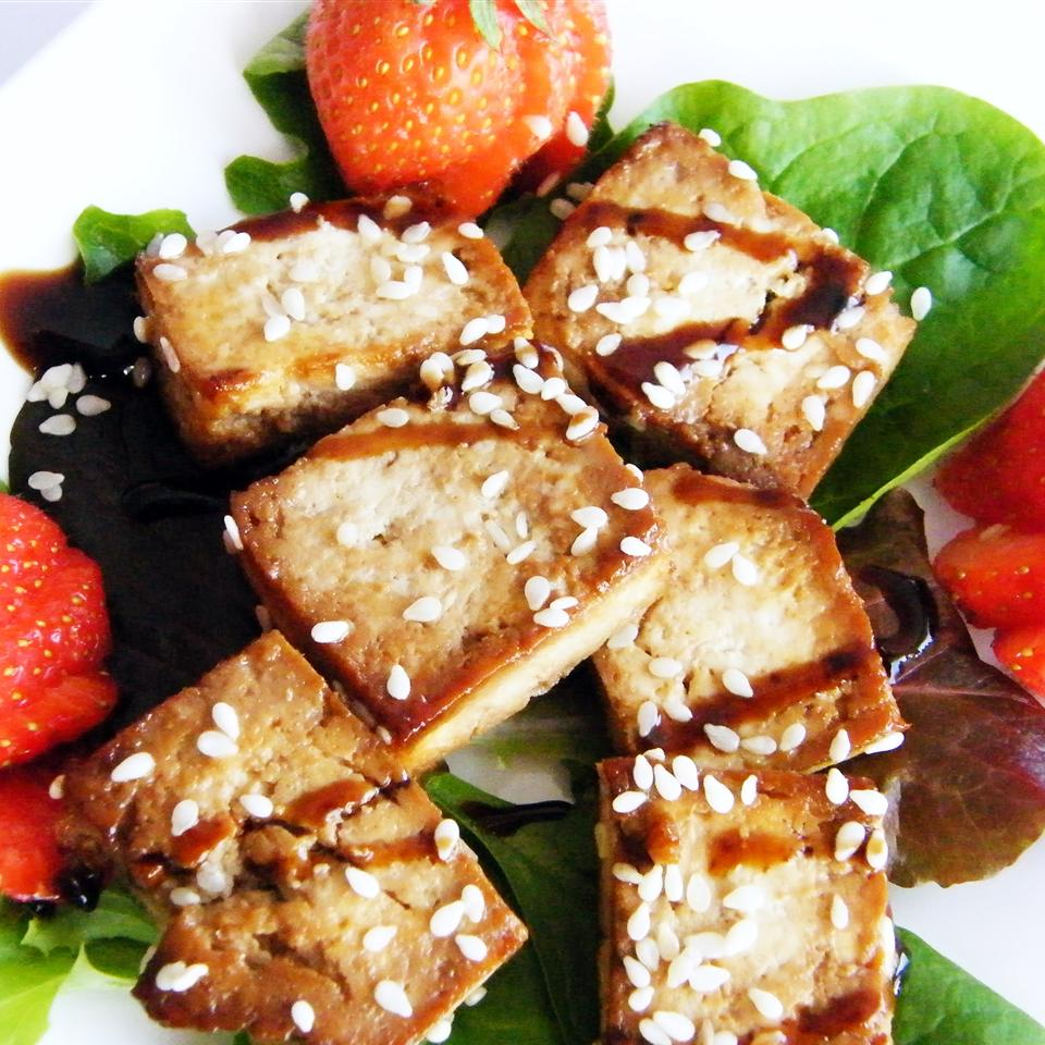 Baked Tofu Bites on a Bed of Leafy Romaine