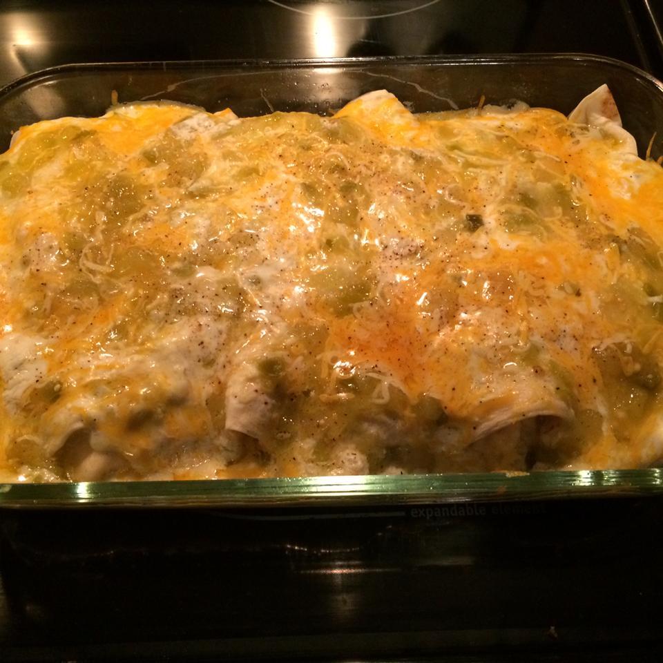 Creamy Chicken Enchiladas Verde carrielynn
