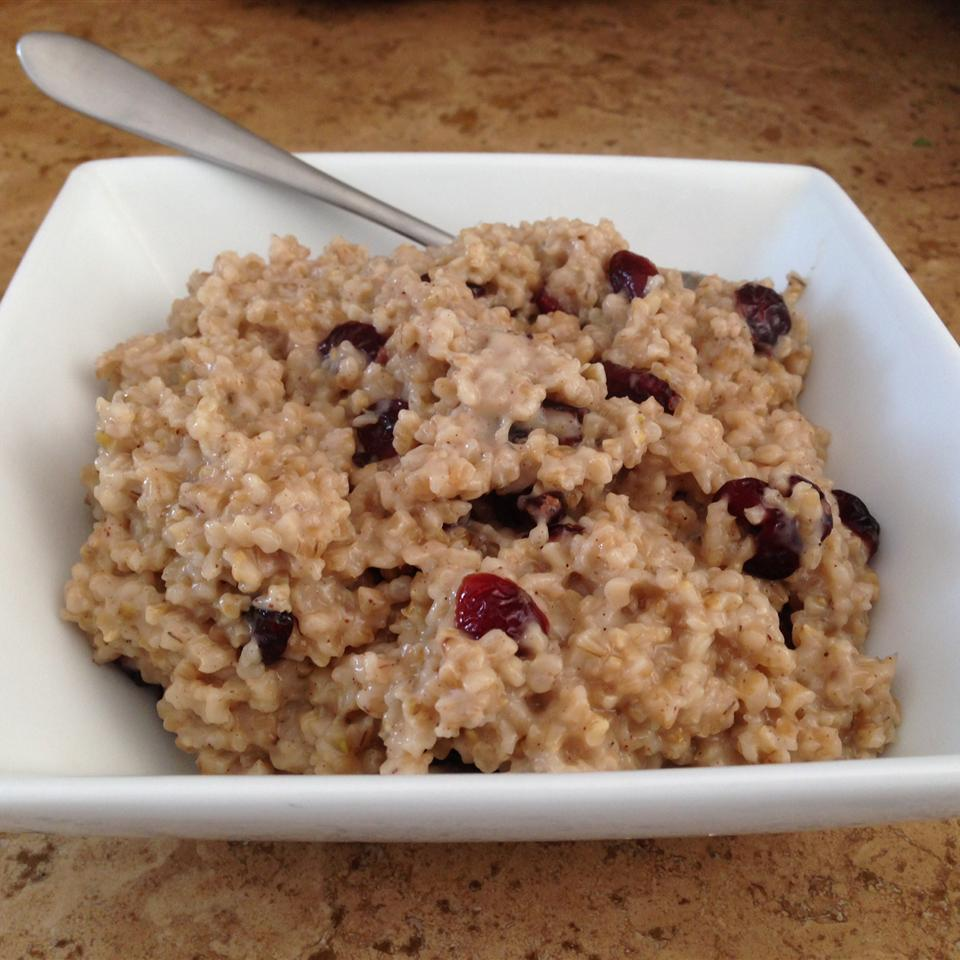 Cranberry, Cinnamon, and Brown Sugar Steel Cut Oats