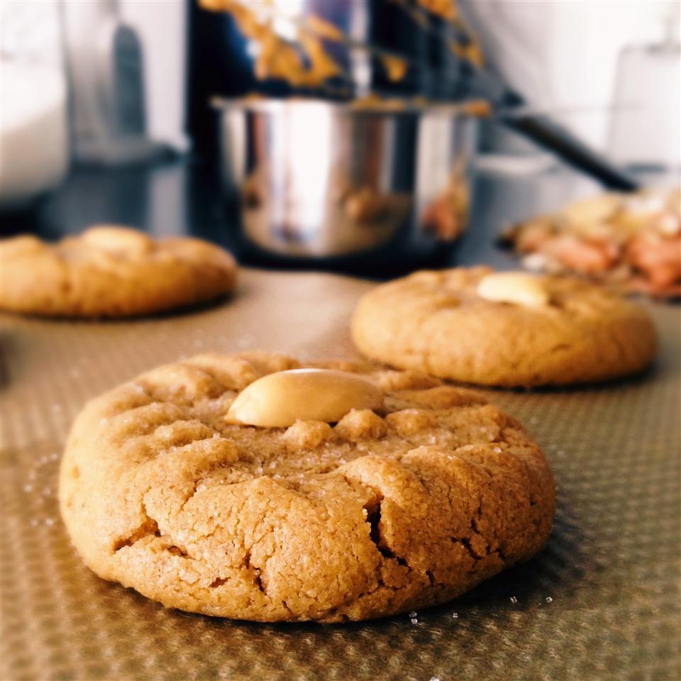 3-Ingredient Peanut Butter Cookies_image