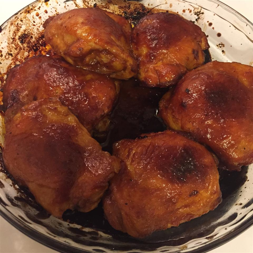 Yummy Baked Chicken Thighs in Tangy Sauce