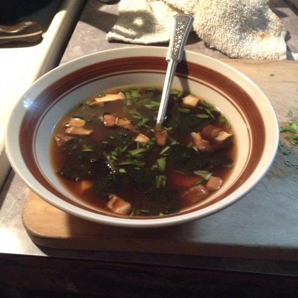 Japanese Soup with Tofu and Mushrooms Charline