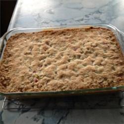 Grandma Bev's Rhubarb Dessert (Rhubarb Crisp) Recipe