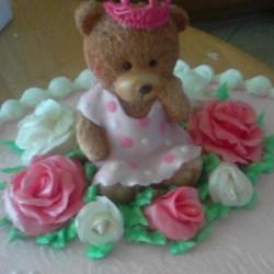 Marshmallow fondant roses.