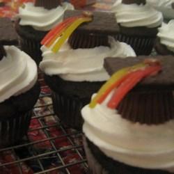 close up grad cupcakes