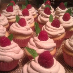 Raspberry Iced Tea Cupcakes