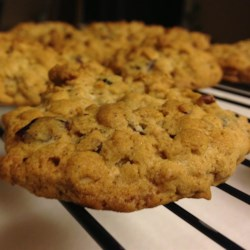Cranberry-Nut Oatmeal Cookies Recipe