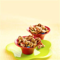 Chex(R) Apple Cinnamon Sweet 'N Nutty Snack Mix Recipe