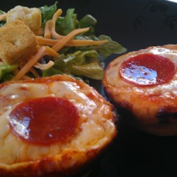 Easy Pepperoni Pizza Muffins