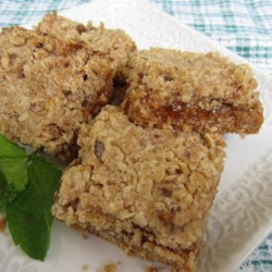 Nutty Oatmeal Apricot Squares Recipe