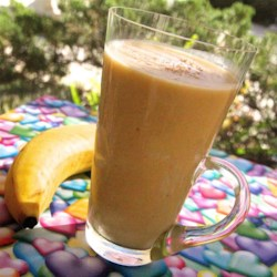 Thick and Creamy Banana Yogurt Smoothie Recipe