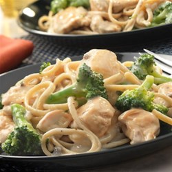 Whole Wheat Pasta Alfredo with Chicken and Broccoli