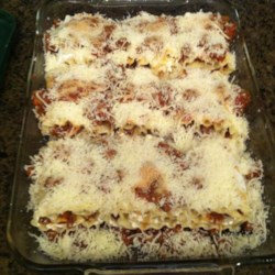 Beefy Lasagna Roll-Ups Recipe