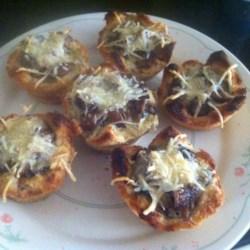 Garlicky Mushroom Toast Cups Recipe