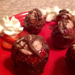 Cheesecake-Stuffed Strawberries