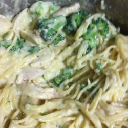 Creamy Chicken With Pasta and Broccoli