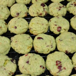 Pistachio Chocolate Chip Cookies