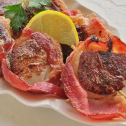 Spicy Bacon-Wrapped Scallops