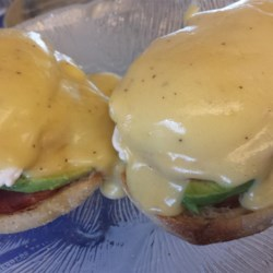 Creamy Hollandaise Sauce Recipe