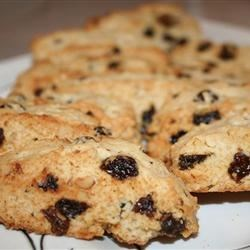 Easy Walnut Raisin Biscotti Recipe